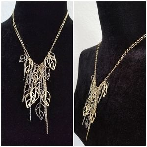 Jewelry - Beautiful Leaf and Tassel Necklace